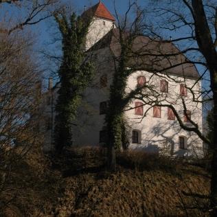 So sieht man das Schloss aus der Schlosswirtschaft