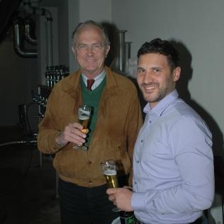 Ein Rundgang durch die neuen Anlagen lässt nicht nur den Brauereichef strahlen.